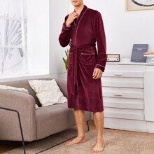 Samt Robe mit Kontrast Bindung, zwei Taschen und Guertel