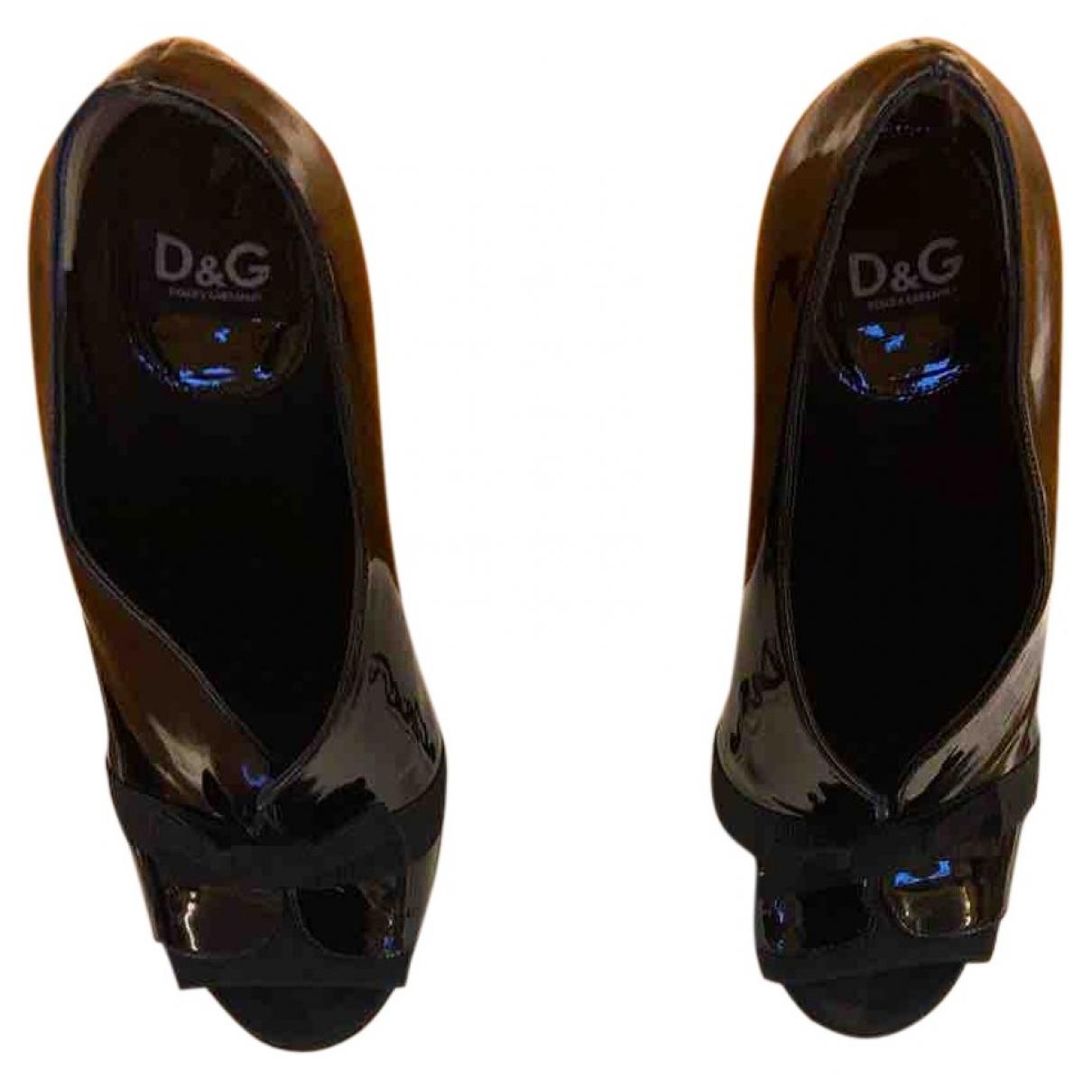 D&g \N Pumps in  Schwarz Lackleder