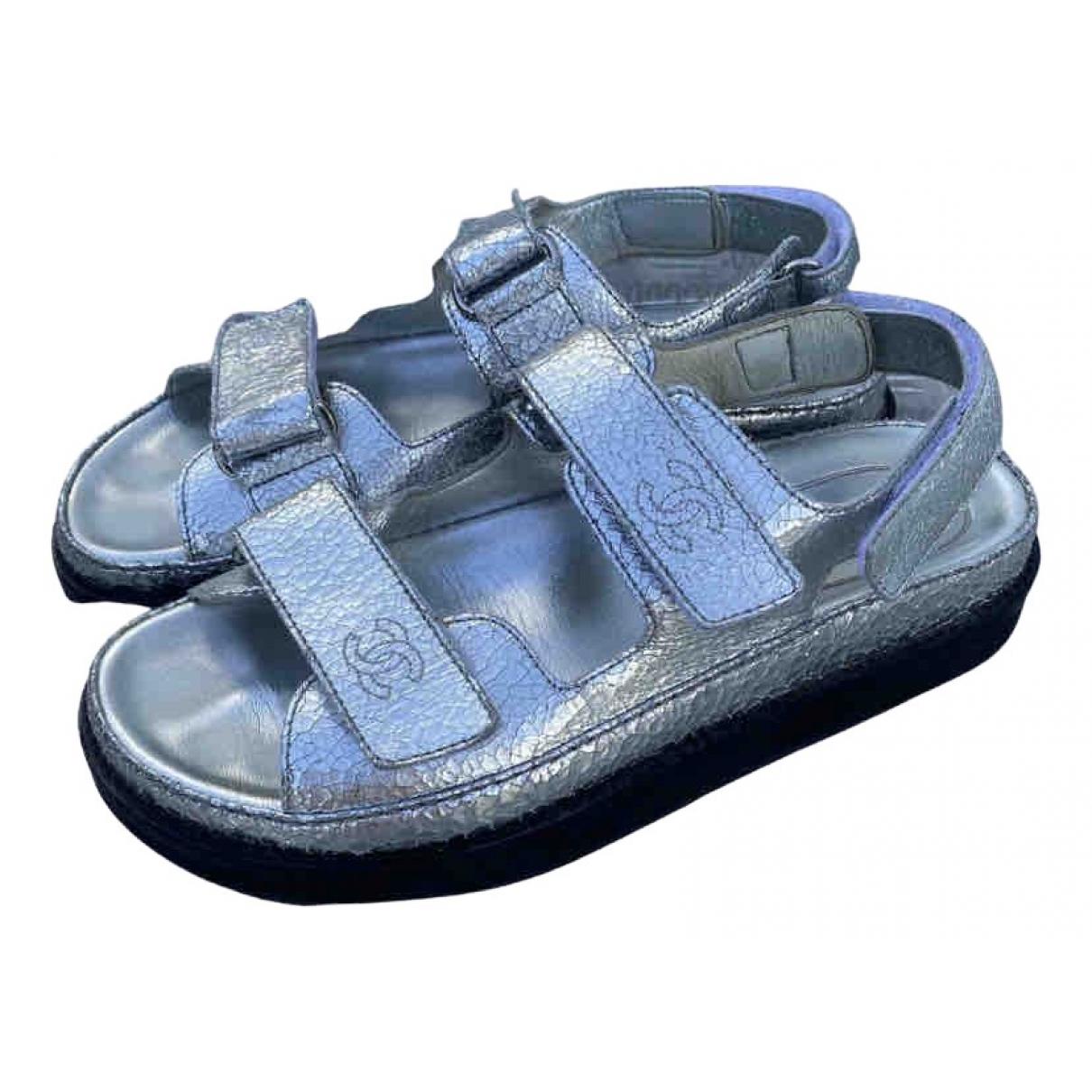 Chanel Dad Sandals Sandalen in  Silber Leder
