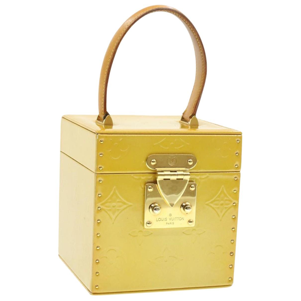 Louis Vuitton Bleecker Beige Patent leather handbag for Women N