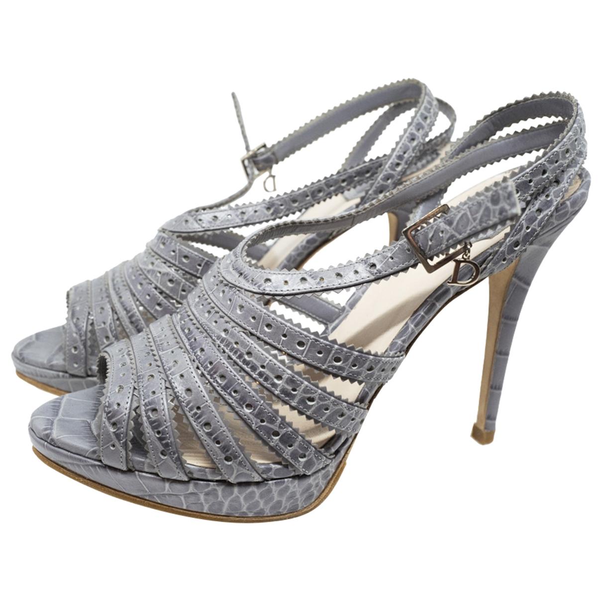 Christian Dior \N Sandalen in  Grau Lackleder