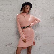 Einfarbiges Strick Kleid mit Rollkragen, seitlichem Schlitz ohne Guertel