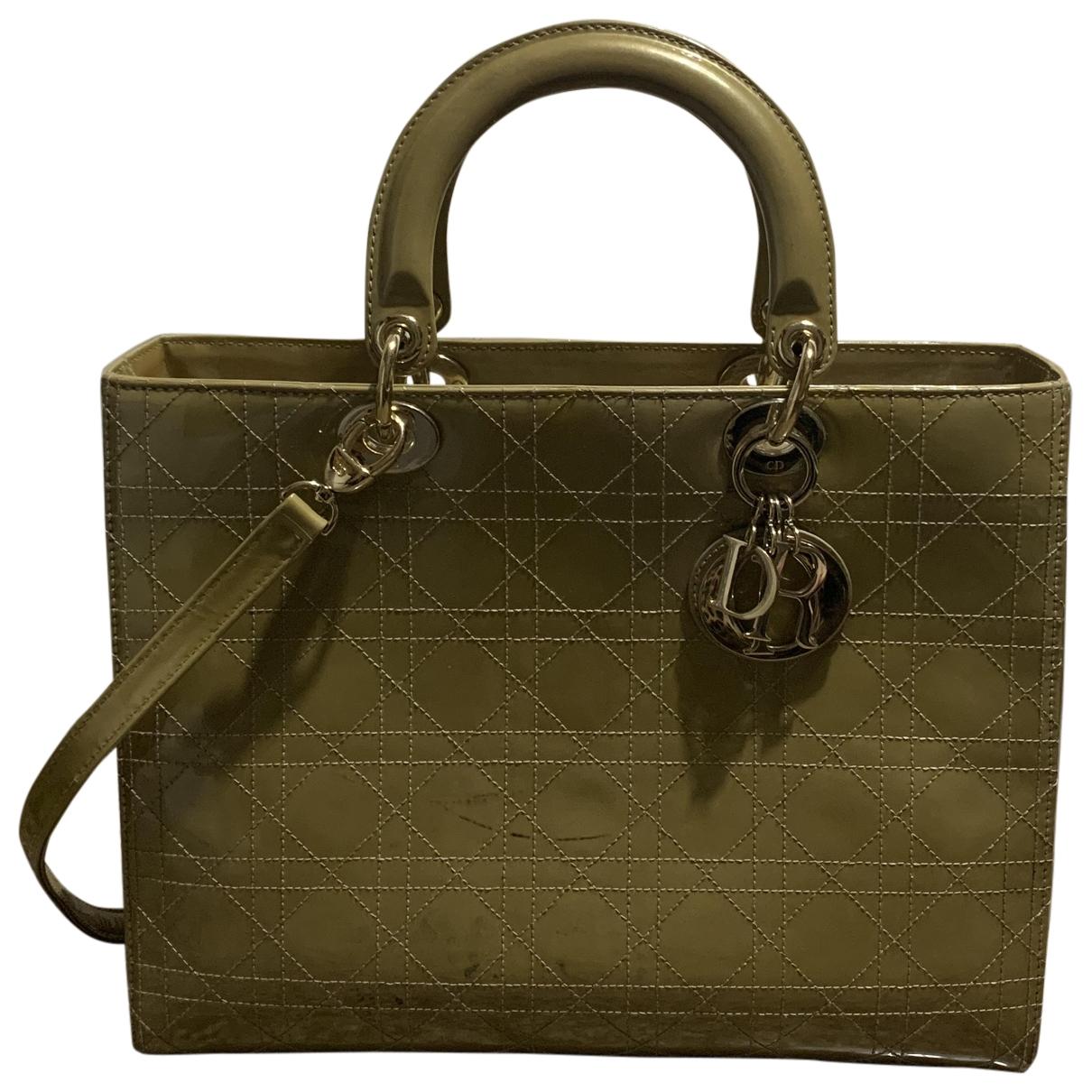 Dior Lady Dior Handtasche in  Beige Lackleder