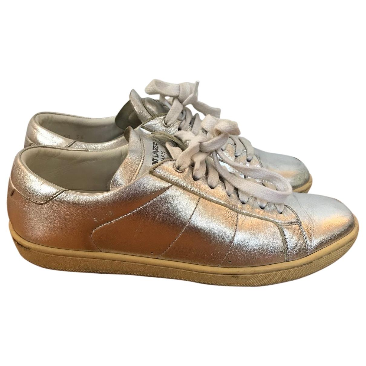 Saint Laurent Court Sneakers in  Silber Leder