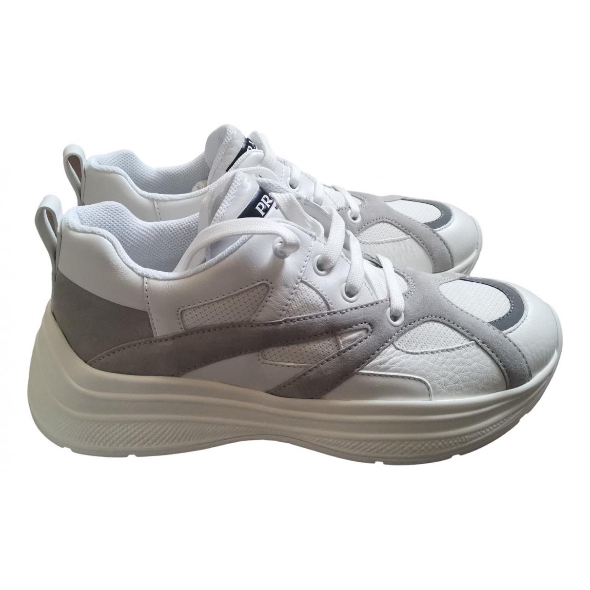 Prada \N Sneakers in  Weiss Leinen