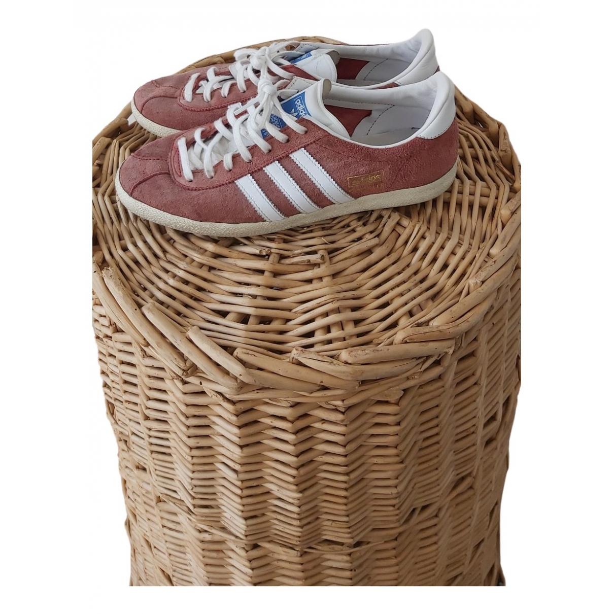 Adidas Gazelle Sneakers in  Rosa Veloursleder