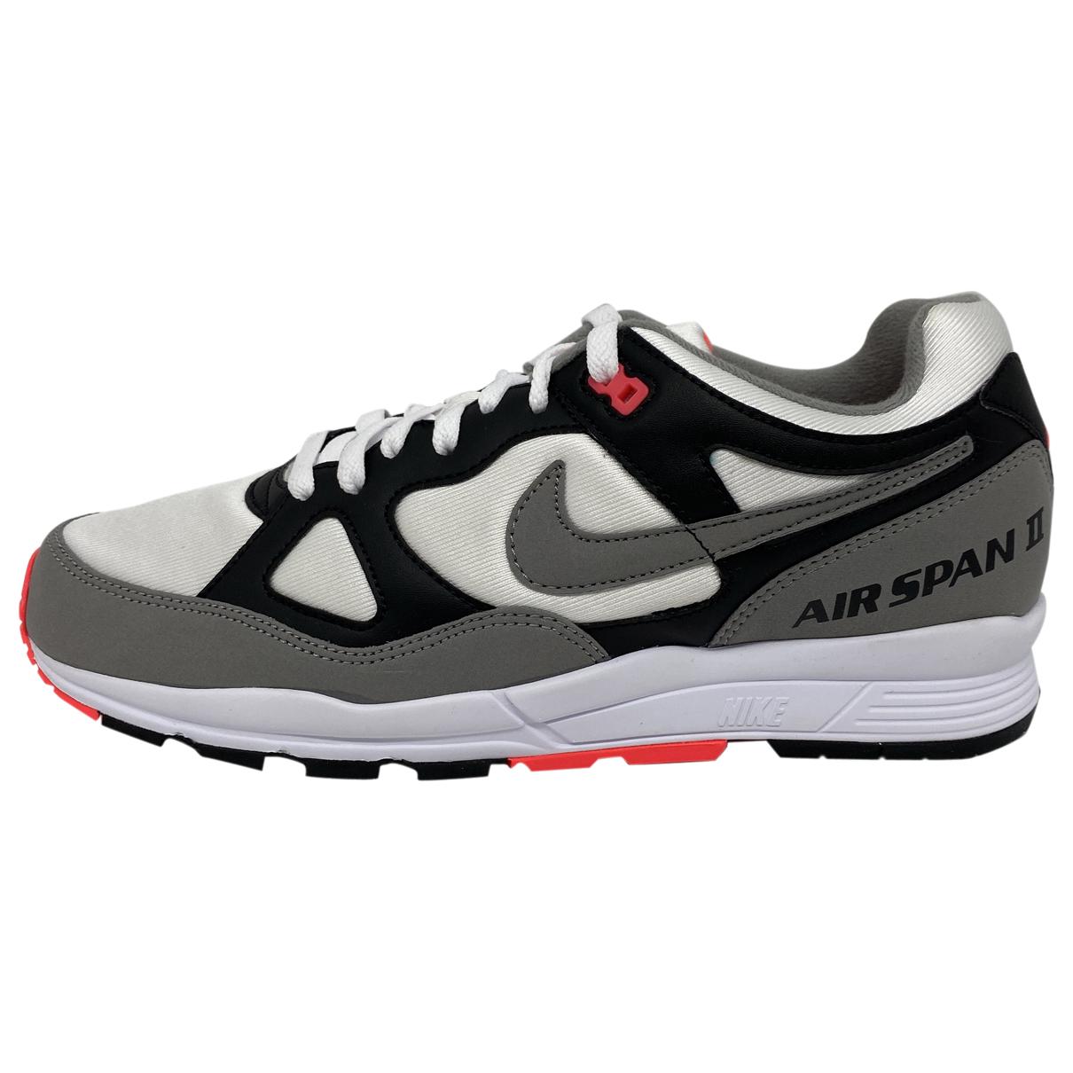 Nike Air Span II Sneakers in  Grau Leder