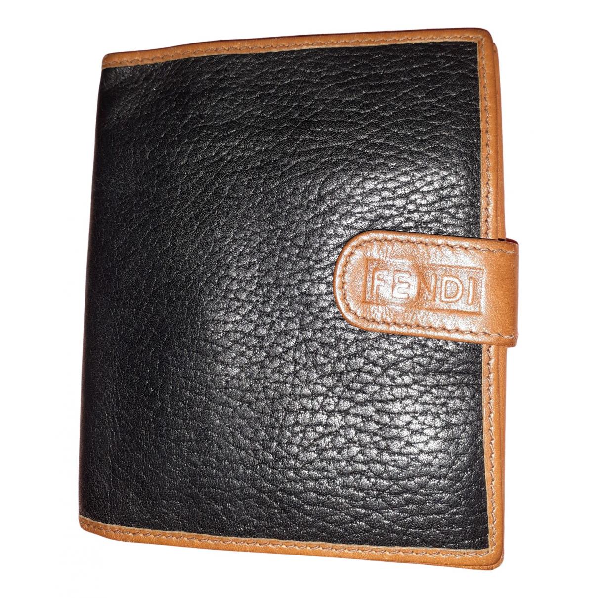 Fendi \N Portemonnaie in  Schwarz Leder