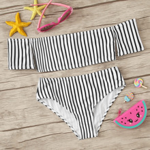 Maedchen Schulterfreier Bikini Set mit Streifen