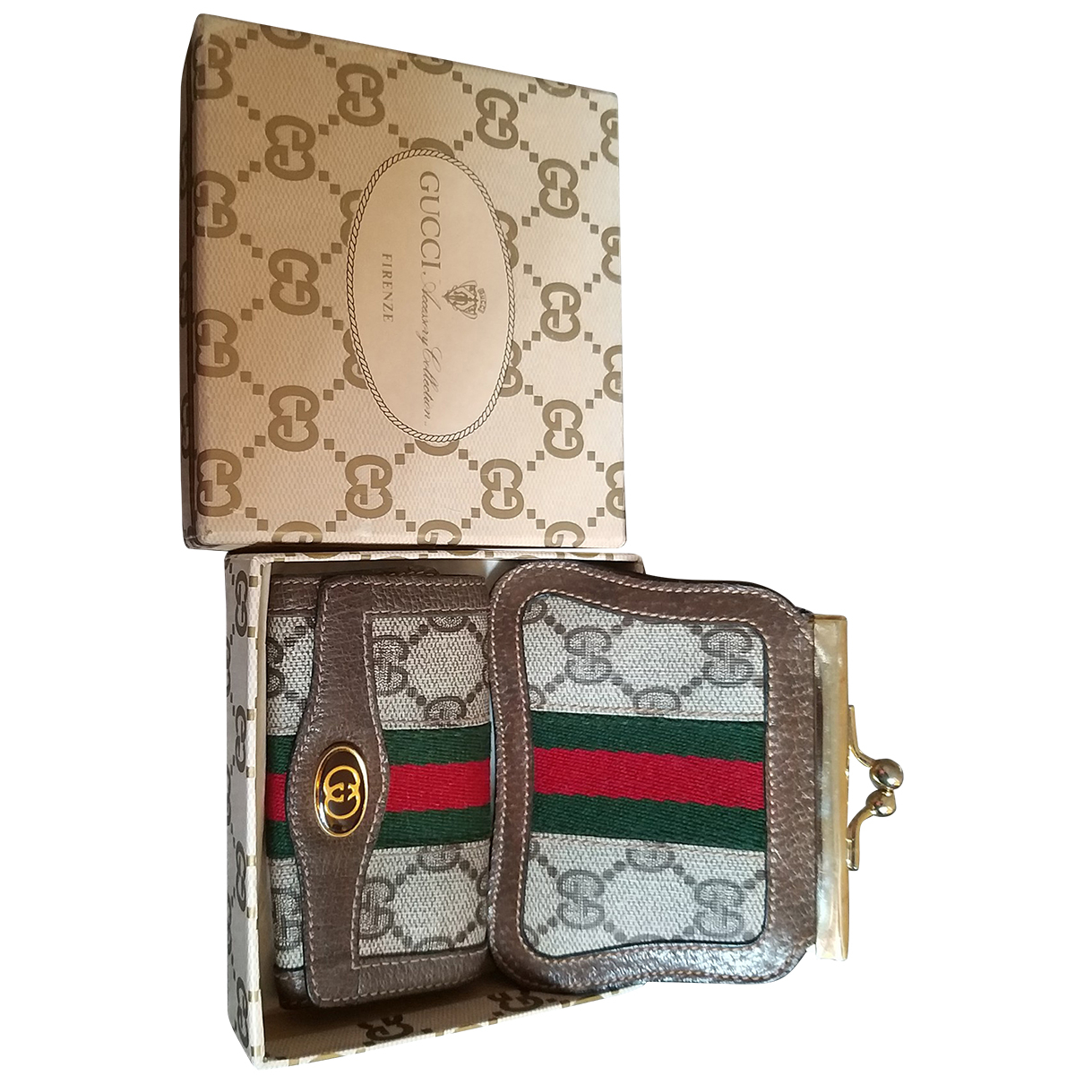 Gucci \N Beige Cloth Purses, wallet & cases for Women \N