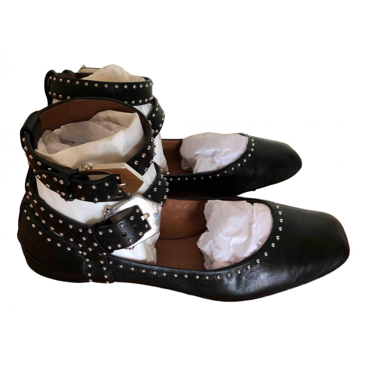 Givenchy \N Ballerinas in  Schwarz Leder