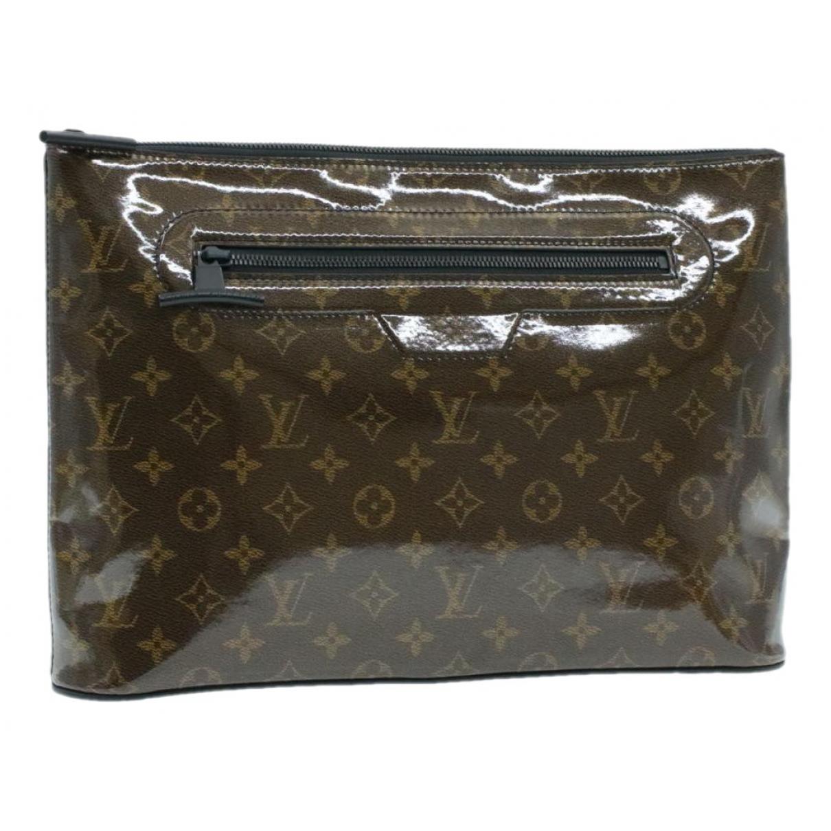 Bolsos clutch en Plastico Marron Louis Vuitton