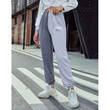 Pantalones con letra
