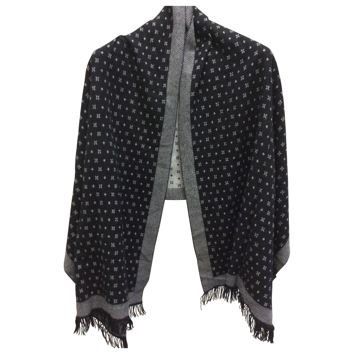Non Signé / Unsigned \N Cashmere scarf for Women \N