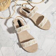 Sandalias con tira tweed con perla artificial