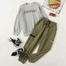 Boys Letter Graphic Sweatshirt & Cargo Pants Set