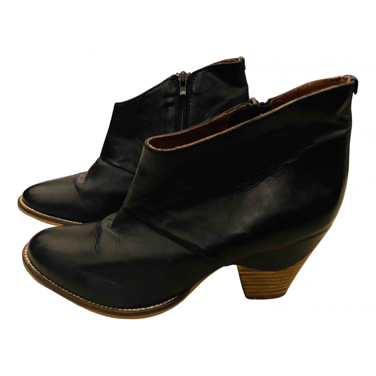 Clarks N Black Leather Boots for Women 5 UK