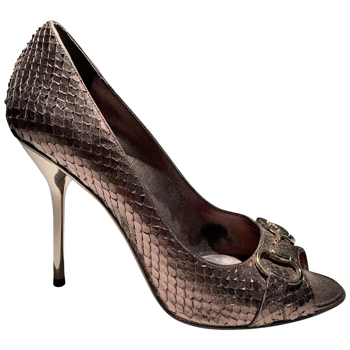 Gucci - Escarpins   pour femme en python - dore