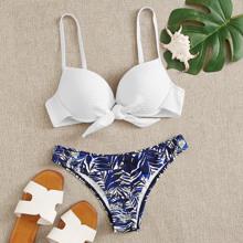 Bikini mit Band vorn, Buegel und zufaelligem tropischem Muster