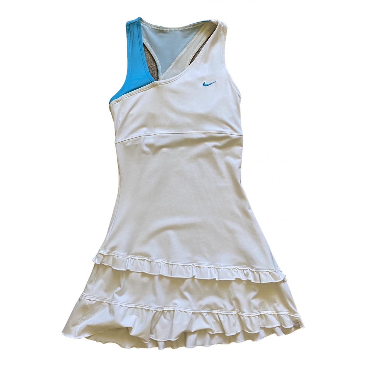 Nike \N Kleid in  Weiss Synthetik