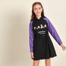 Kleid mit Farbblock, Raglanaermeln, Karikatur & Buchstaben Grafik und Kapuze