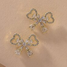 Bow Design Stud Earrings