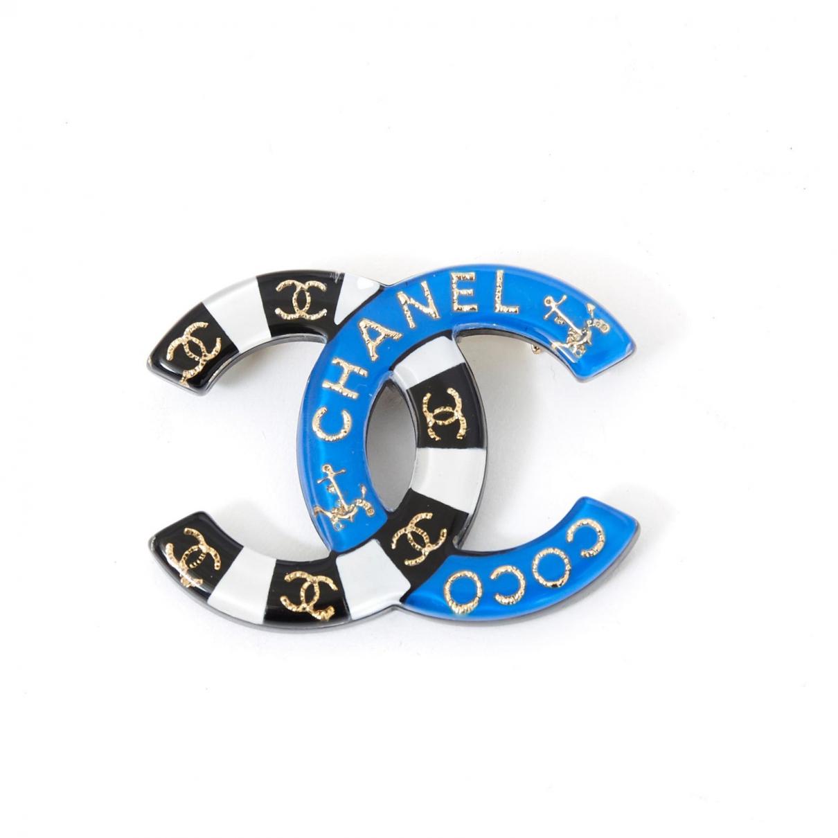Chanel CC Brosche in Kunststoff