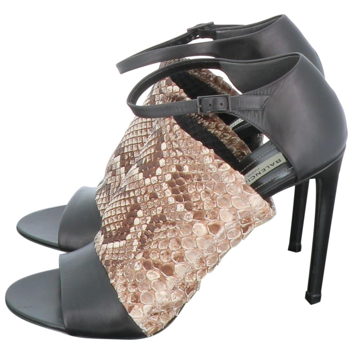 Balenciaga - Sandales   pour femme en python - marron