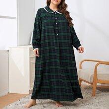 Nachtkleid mit Kontrast, halber Knopfleiste und Karo Muster