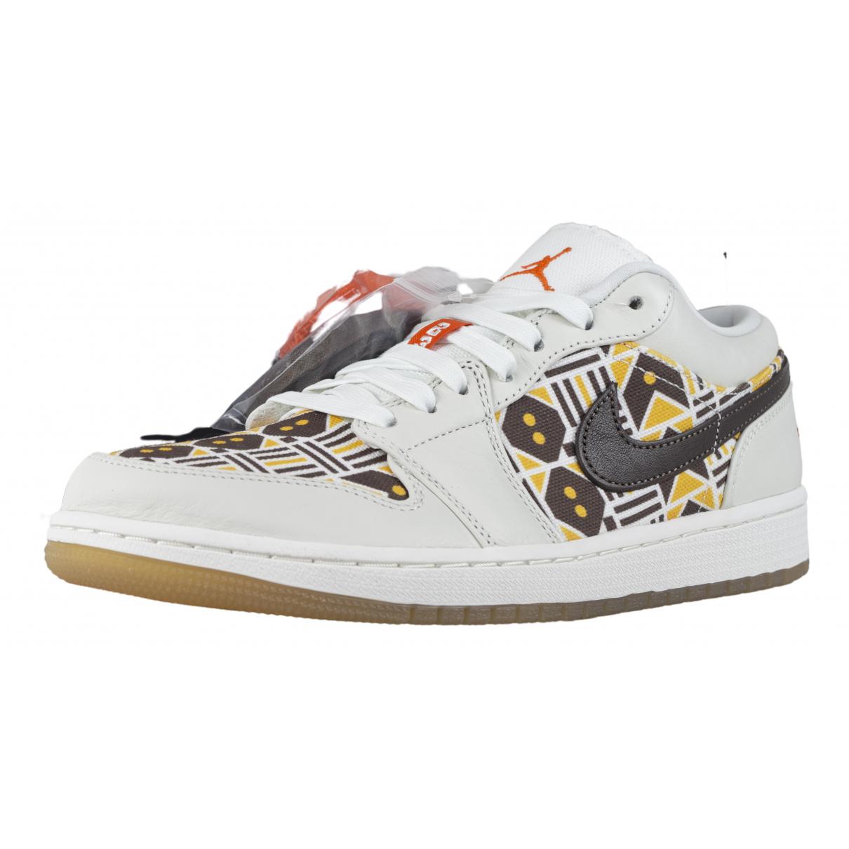 Jordan Air Jordan 1  Sneakers in  Weiss Leder