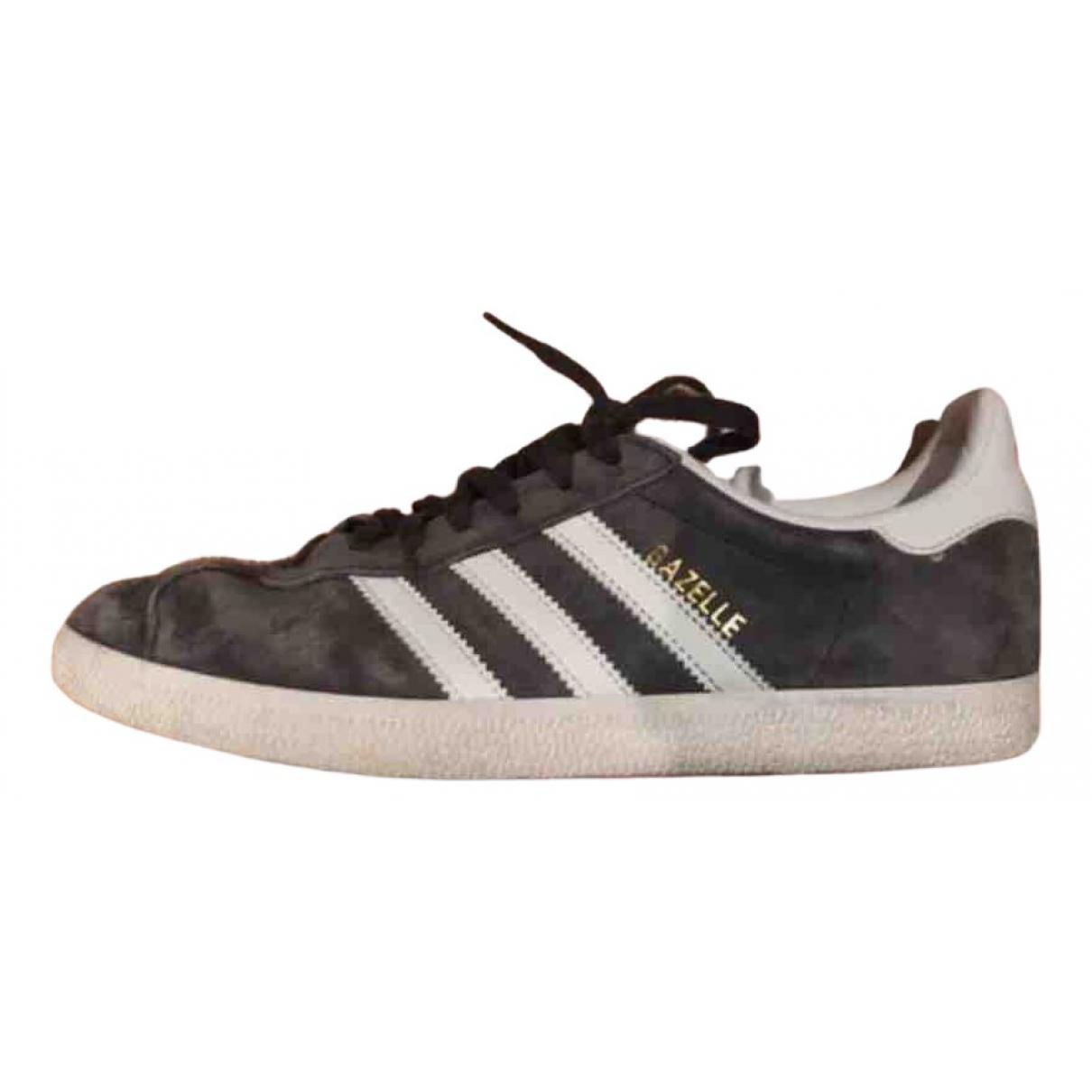 Adidas Gazelle Sneakers in  Grau Veloursleder