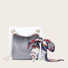 Bolsa cruzada con diseño de pañuelo