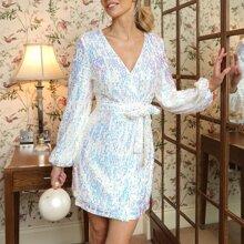 Kleid mit Laternenaermeln, Selbstguertel und Wickel Design