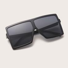 Gafas de sol de hombres de marco cuadrado de montura plana