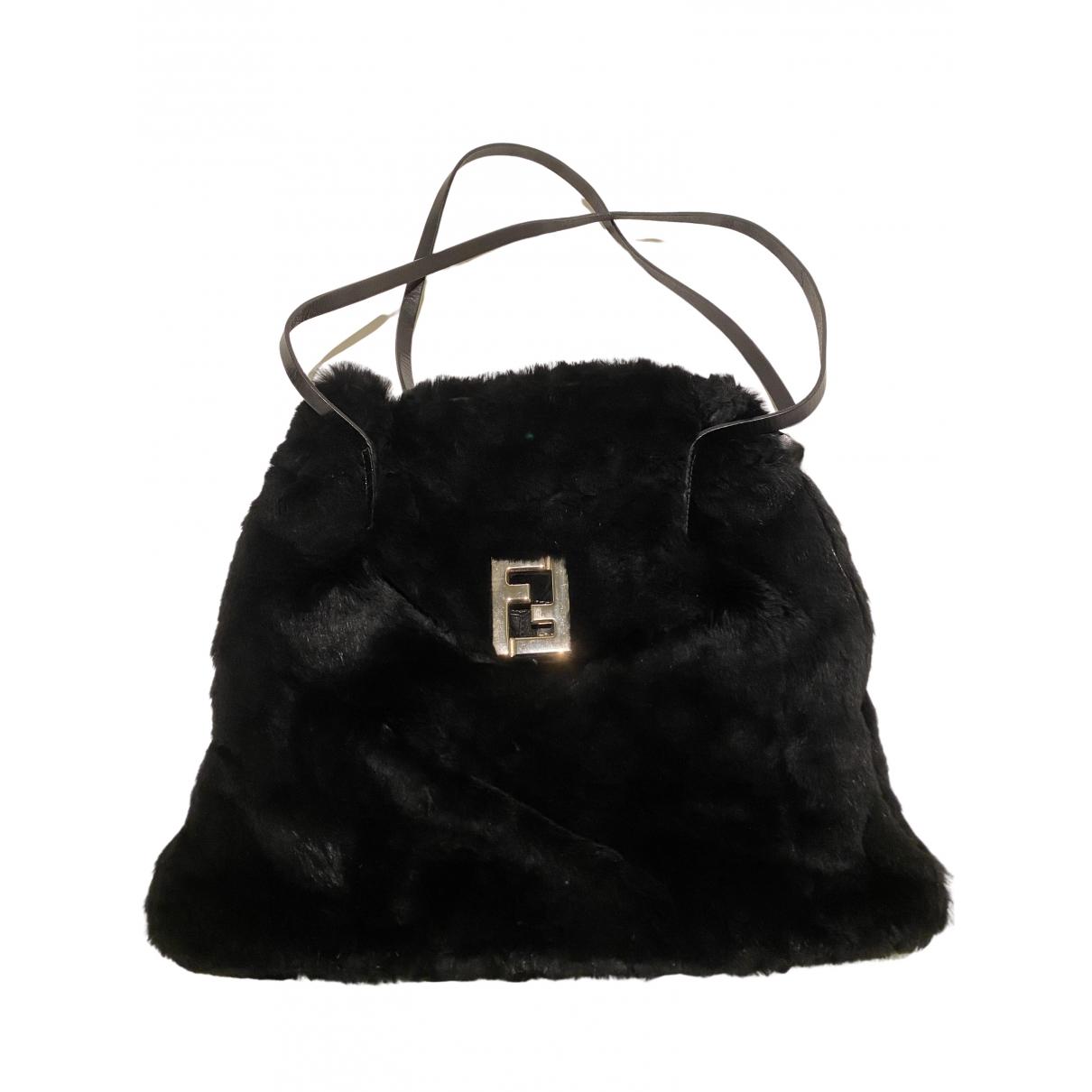 Fendi \N Handtasche in  Schwarz Synthetikpelz