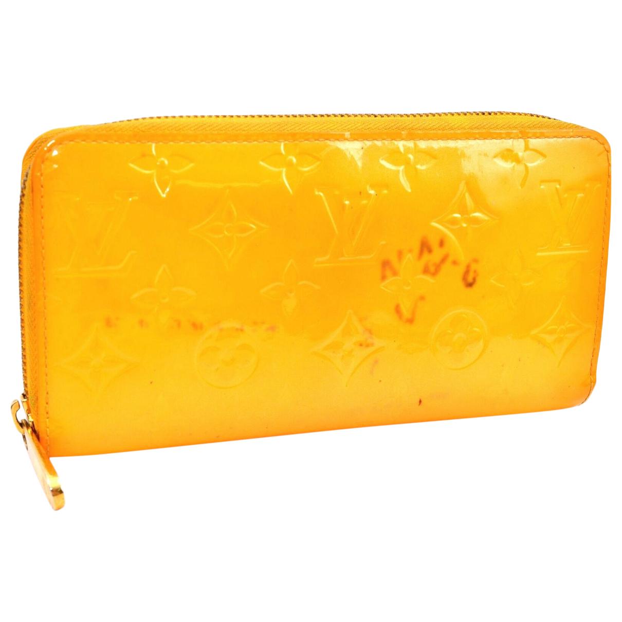 Louis Vuitton - Portefeuille   pour femme en cuir verni - orange