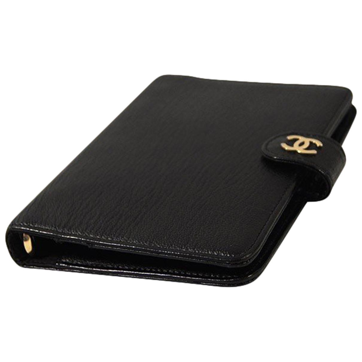 Chanel \N Accessoires und Dekoration in  Schwarz Leder