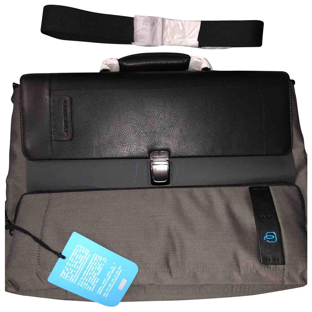 Piquadro N Black Leather bag for Men N
