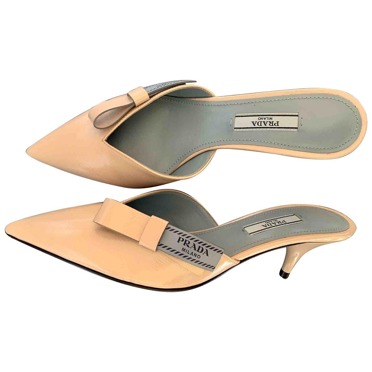 Prada - Sandales   pour femme en cuir verni - beige