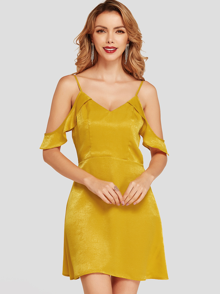 Yoins Yellow Flounced Details Could shoulder Backless Dress