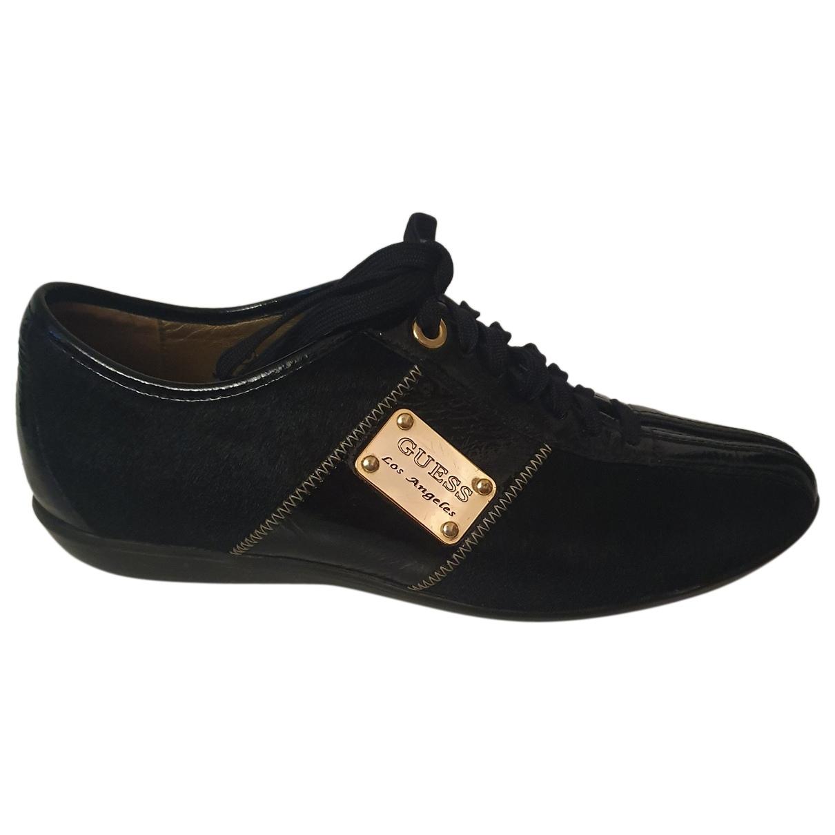 Guess \N Sneakers in  Schwarz Lackleder