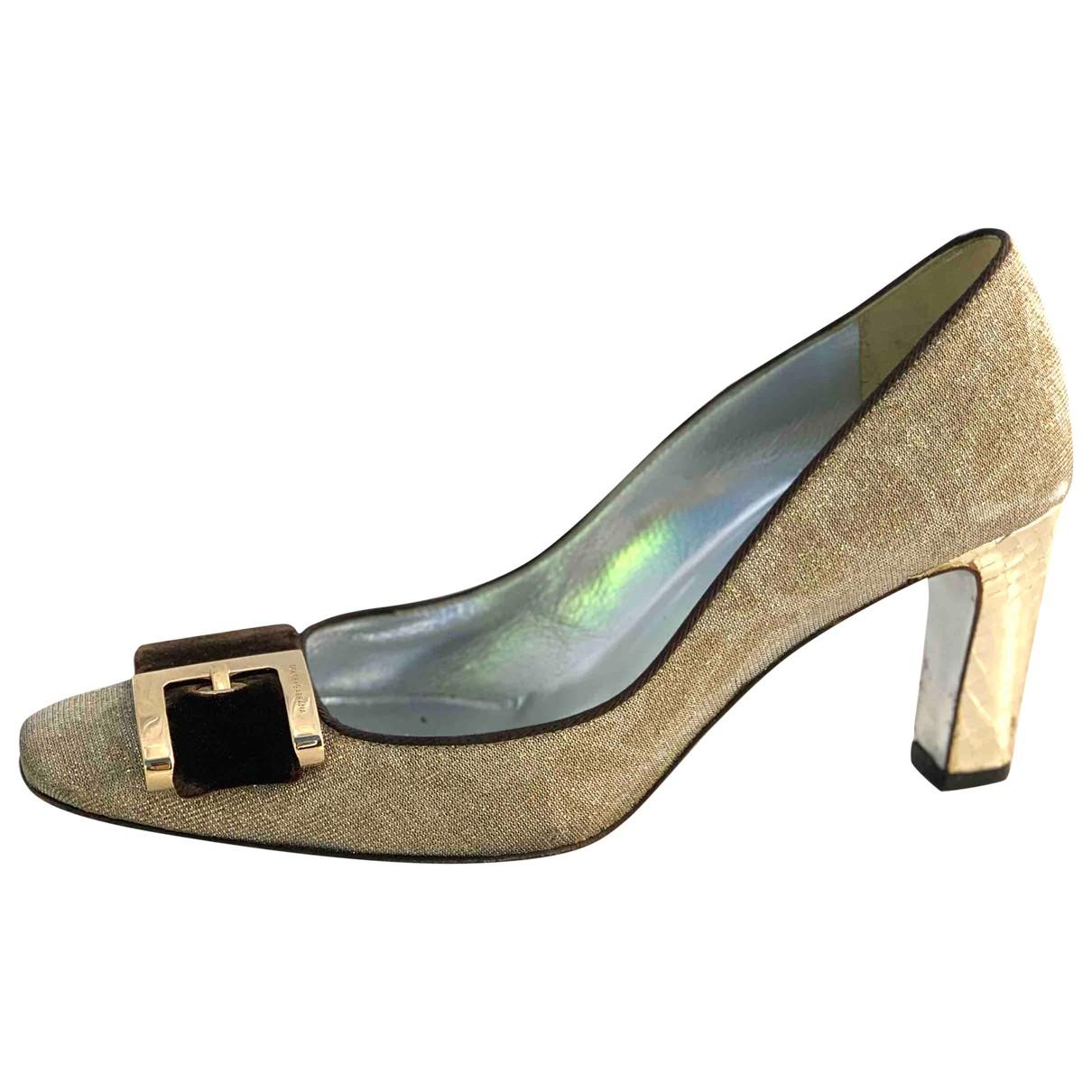 Dolce & Gabbana \N Pumps in  Gold Leinen