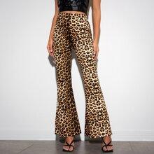 Hose mit Leopard Muster und ausgestelltem Beinschnitt