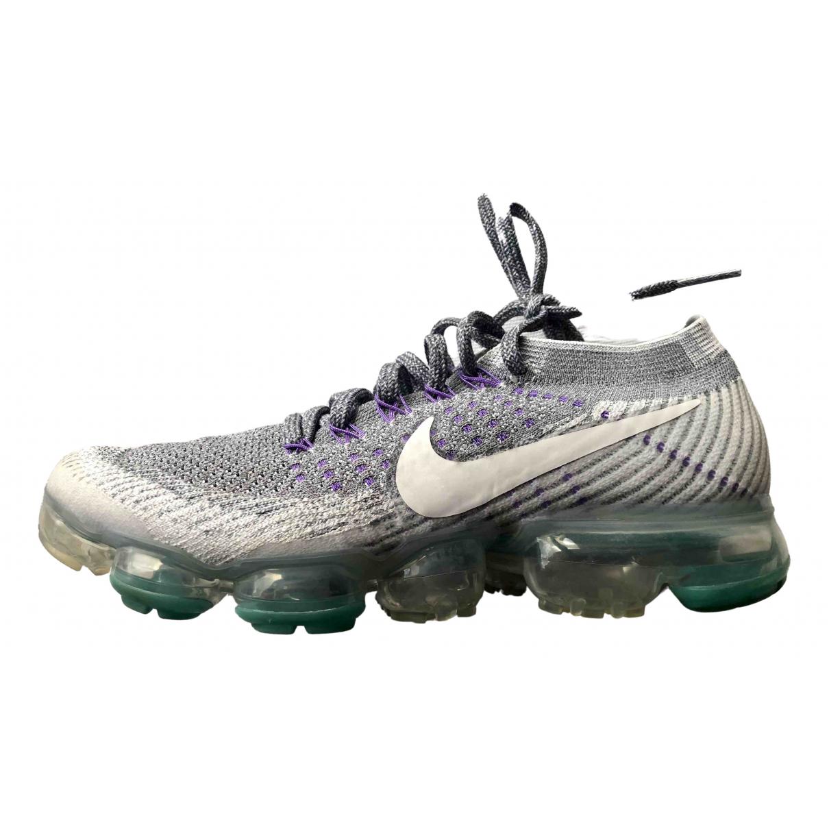 Nike VaporMax Plus Sneakers in  Grau Polyester