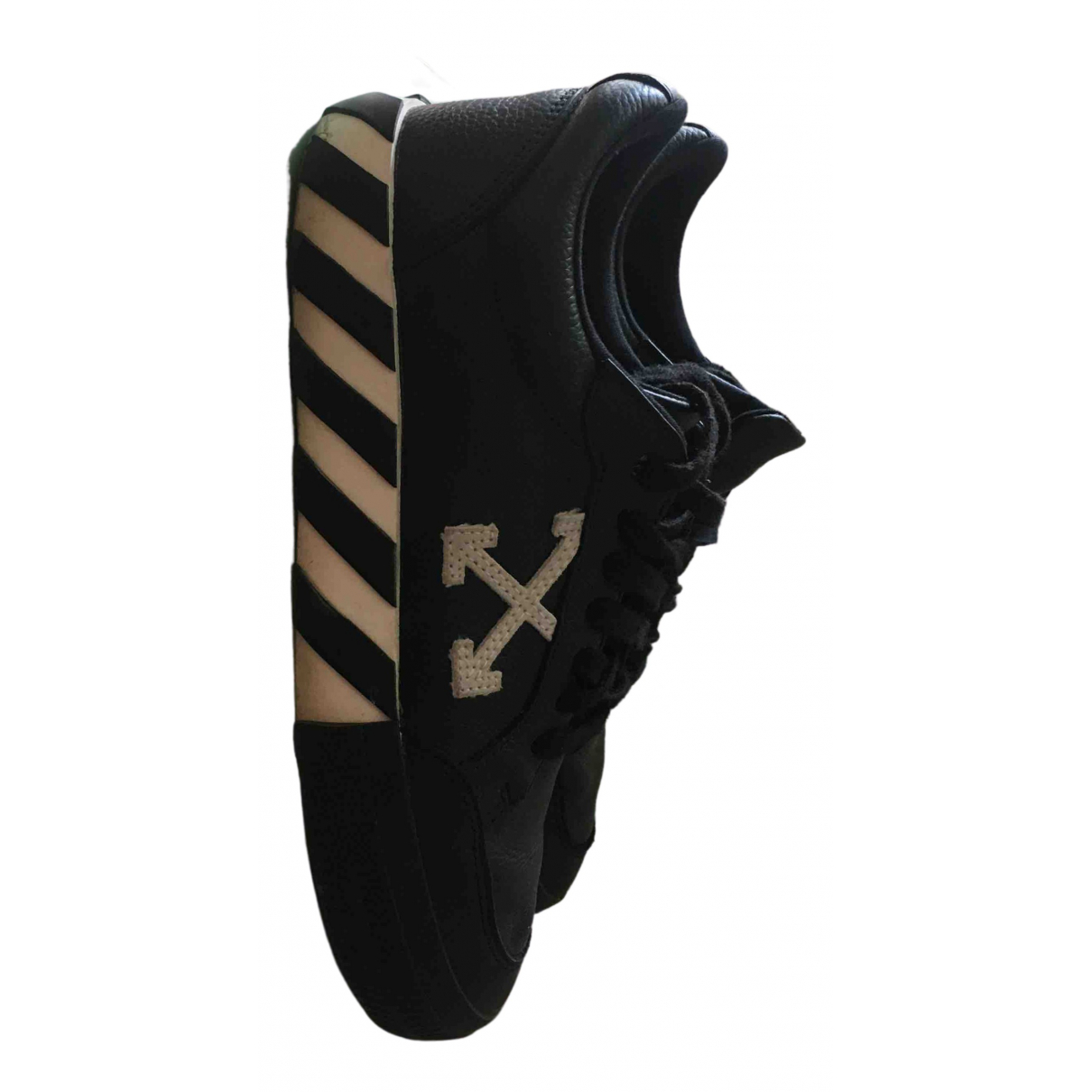 Off-white Low Top Sneakers in  Schwarz Leder