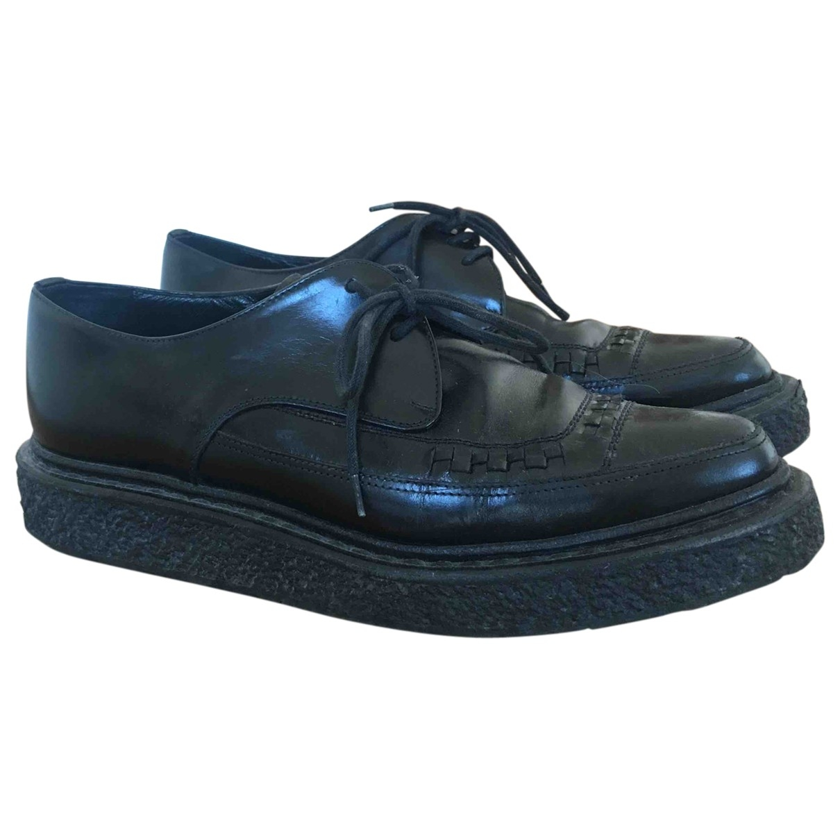 Saint Laurent \N Black Patent leather Lace ups for Women 37 EU