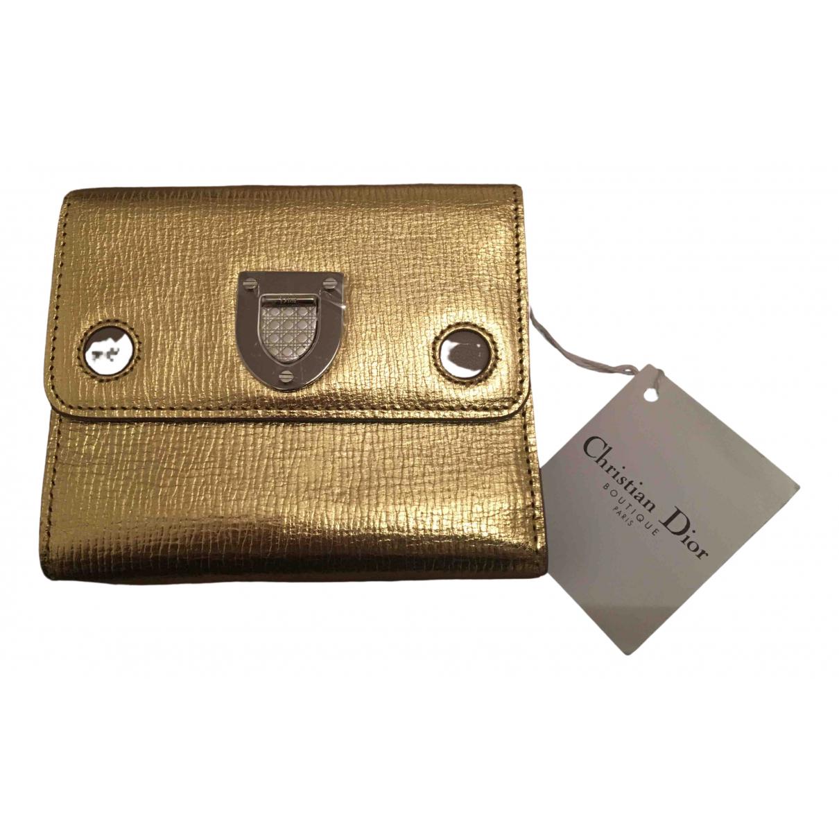 Christian Dior \N Portemonnaie in  Gold Leder