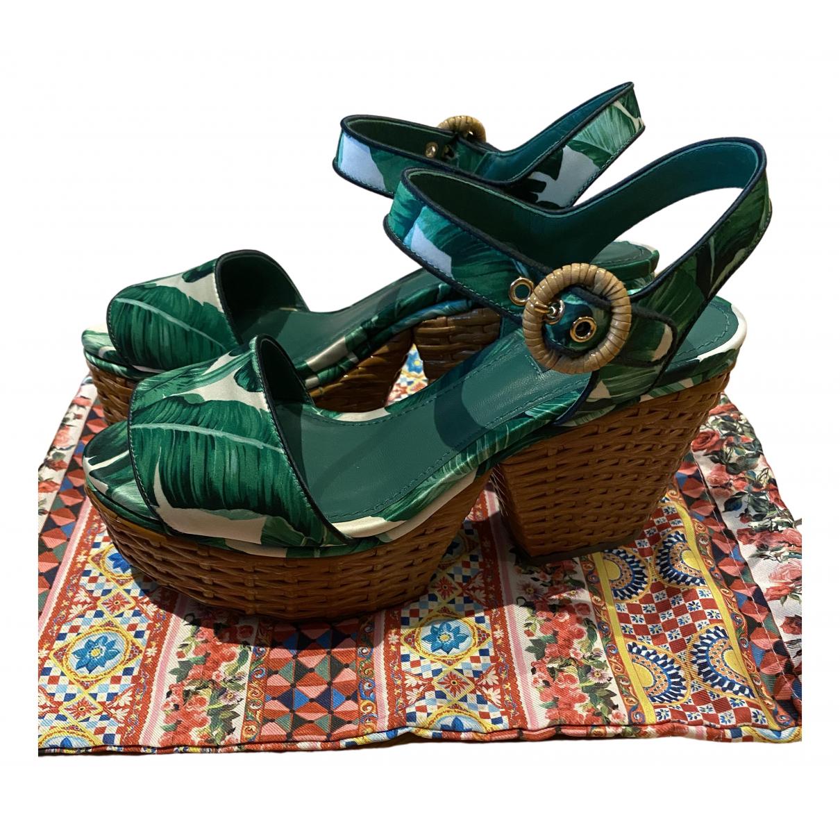 Dolce & Gabbana \N Sandalen in  Gruen Leinen