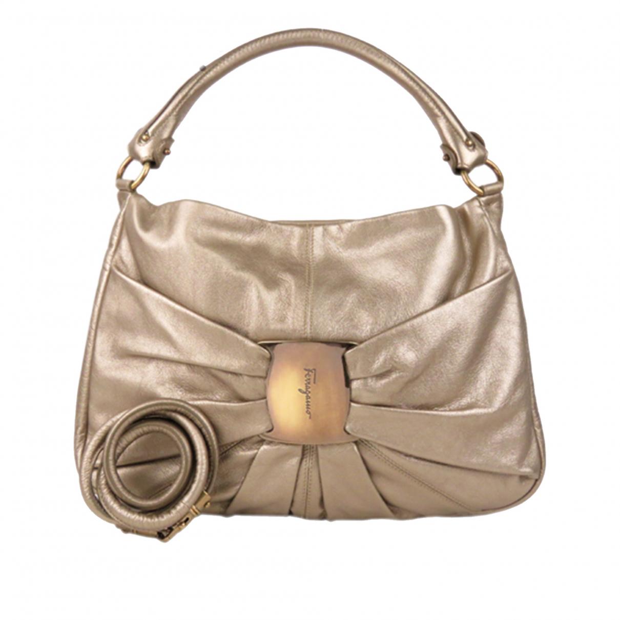 Salvatore Ferragamo \N Handtasche in  Gold Leder