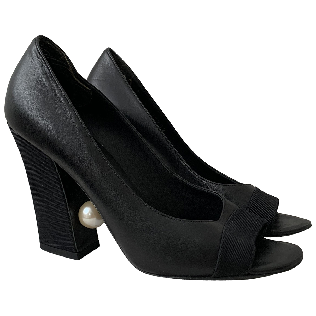 Chanel \N Black Leather Heels for Women 36.5 EU